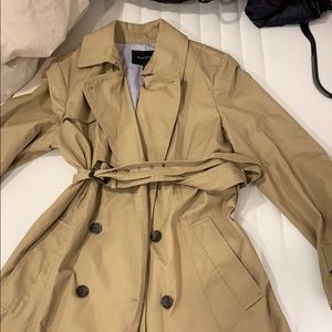 Banana Republic camel colored trench coat size L